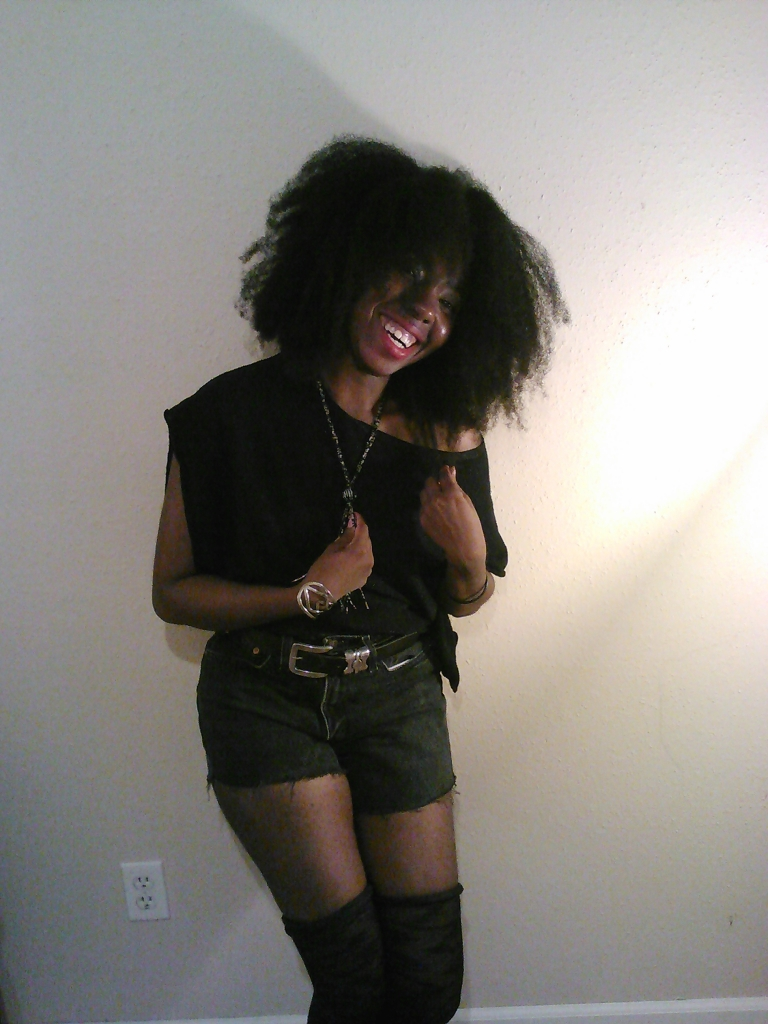 Afro, High waist-ed shorts, Vintage, Levis, Black on Black, Thigh high socks, Over the knee socks, fashion trends, fashion, Personal style, swag, Jewelry, bracelet, necklace, beads